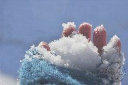 Как закаливать организм снегом