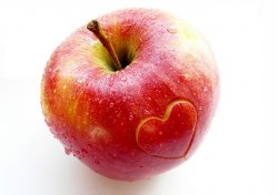 Яблоки продлевают жизнь и способствуют омоложению организма