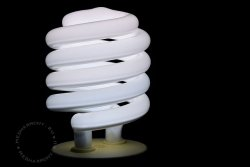 Энергосберегающие лампы вредны для здоровья